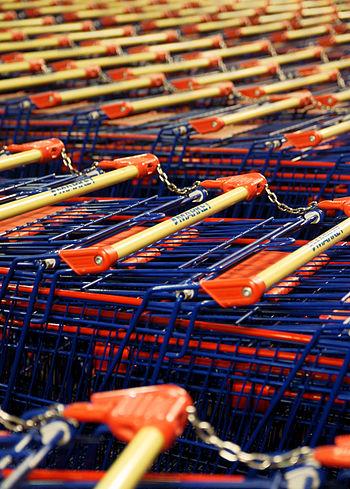 English: Shopping carts in ABC Tikkula.